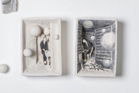 Pino Deodato L'universo nel cassetto terracotta ingobbio librerie biblioteca