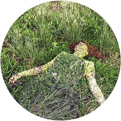 Opera di Francesca Della Toffola con erba