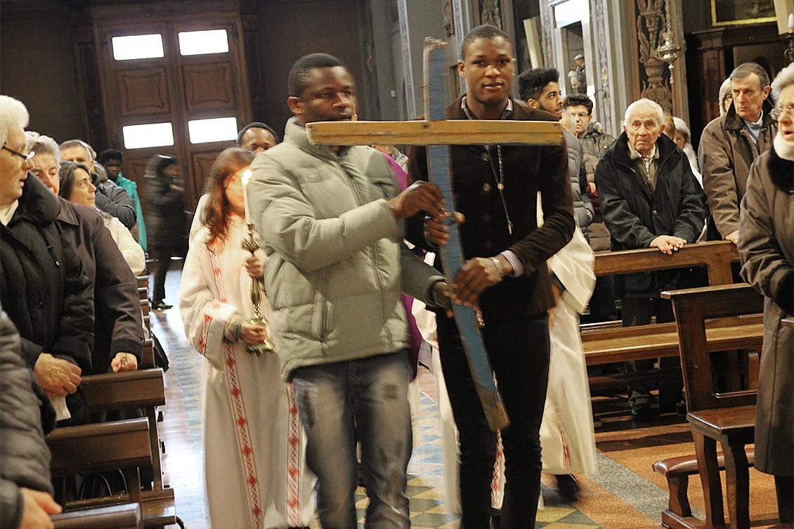Messa con le croci di Francesco Tuccio