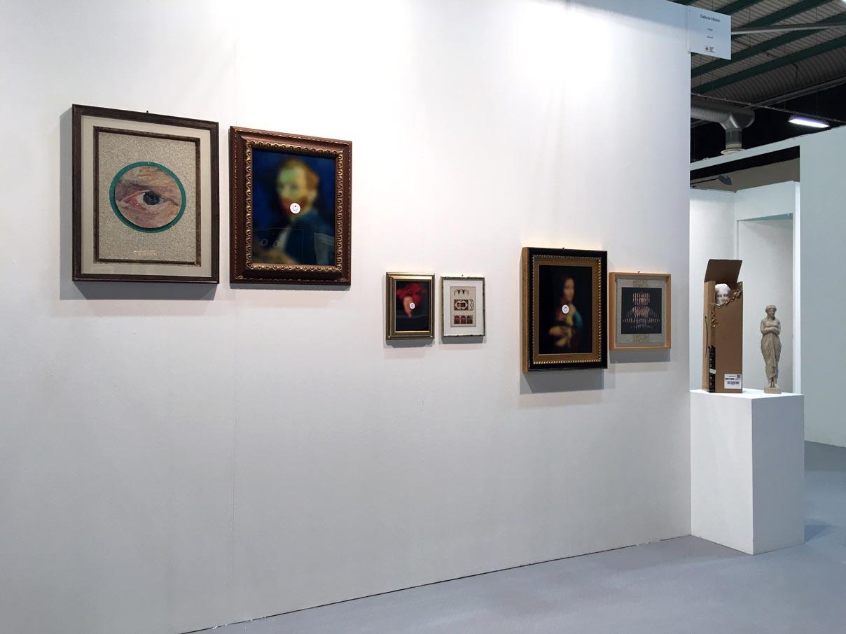 parete esterna con opere di Jiri Kolar e Nicolò Tomaini